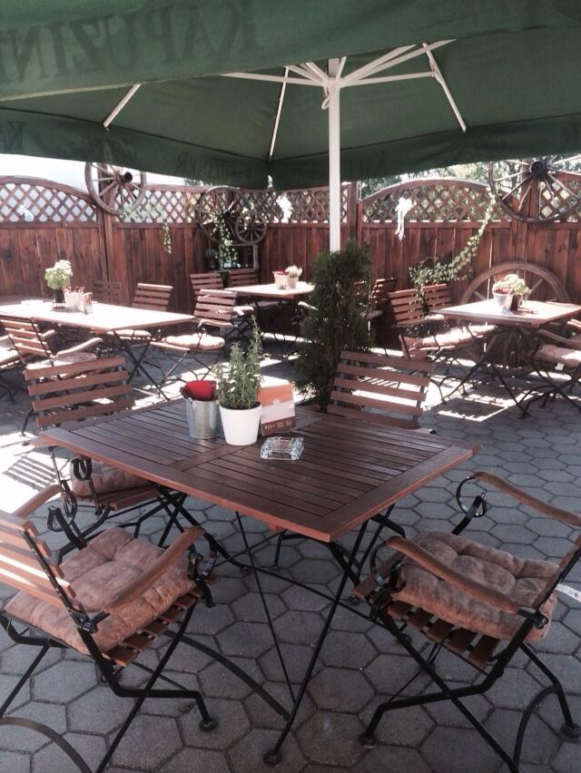 unser biergarten restaurant goldener schauml ffel. Black Bedroom Furniture Sets. Home Design Ideas